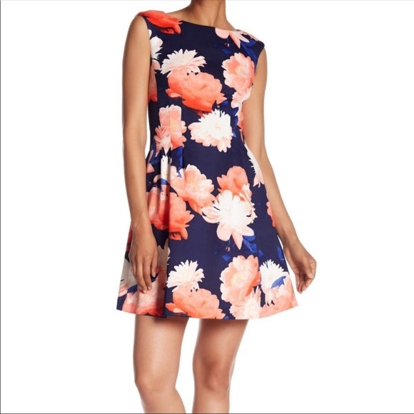 NWT Vince Camuto Plus Size Floral Scuba Dress 20w NWT